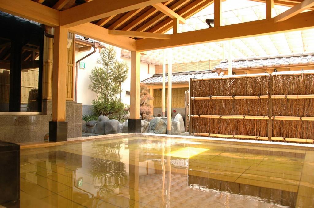 hot-spring-spot-13