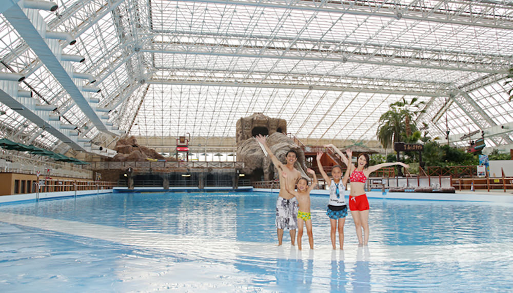 tokyo-summer-pool-spot-3